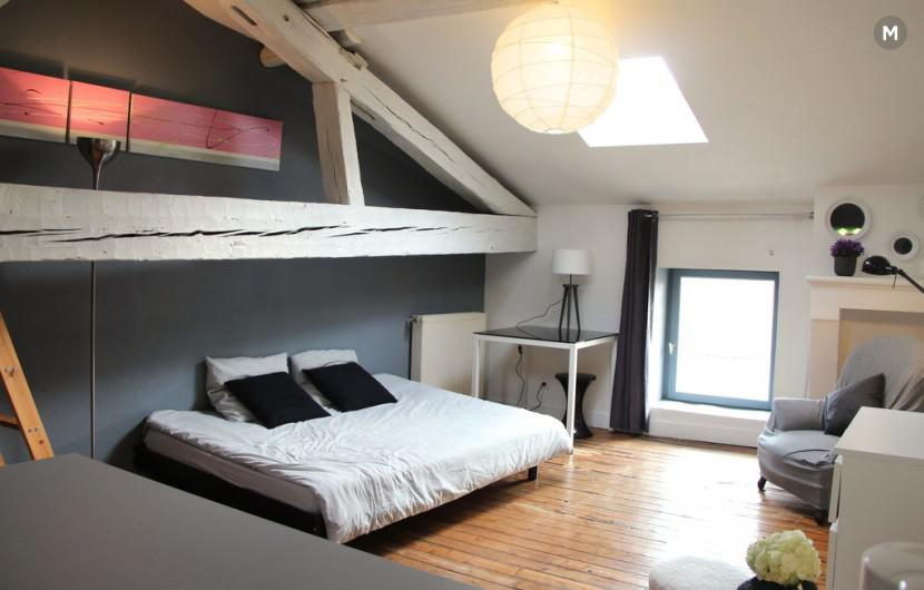 Studio 34m bordeaux location appartement bordeaux 70 for Logement studio bordeaux
