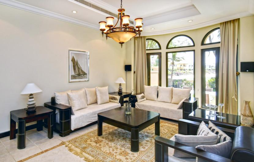 Villa / Detached house 422m² 4 bedrooms - Dubai - 1