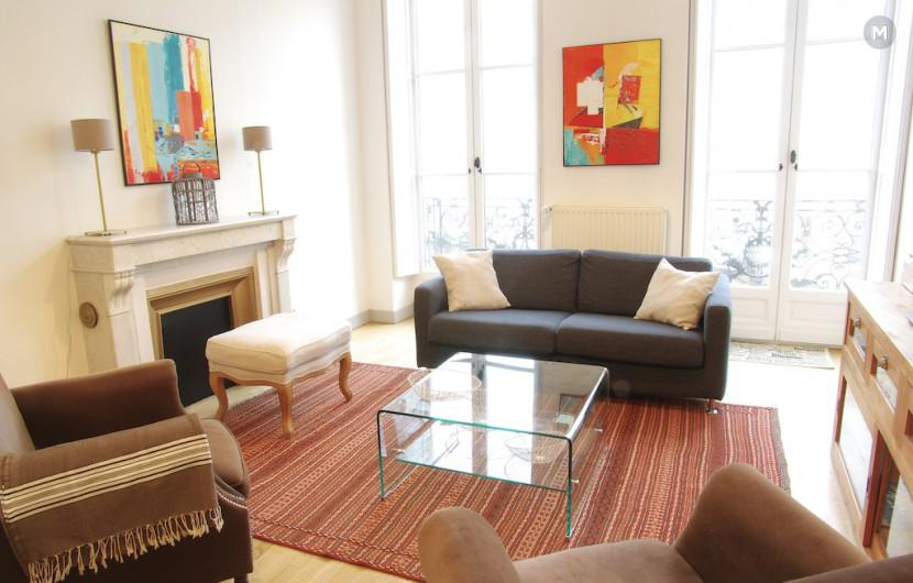 Appartement 70 m 2 chambres bordeaux location for Location appartement bordeaux 5 chambres