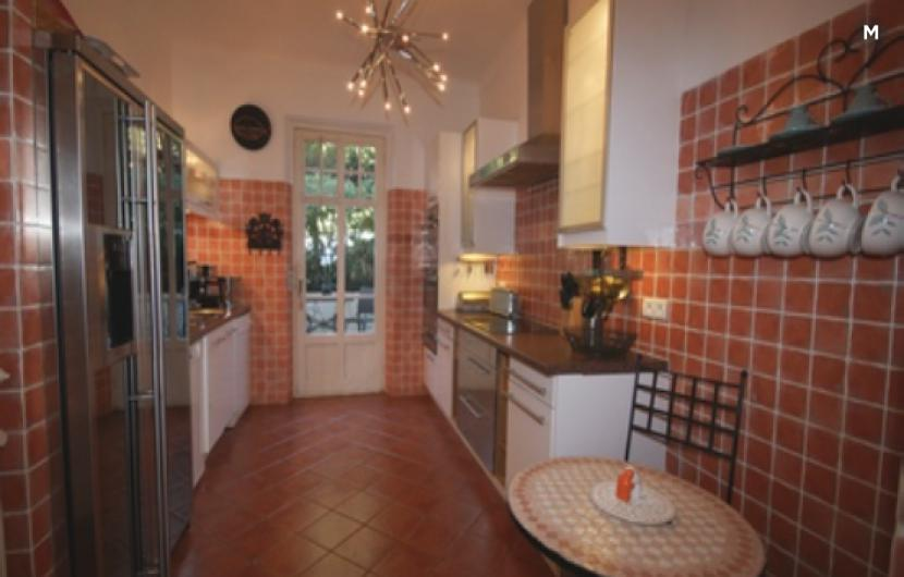 Villa / Detached house 250m² 8 bedrooms - Cannes - 3