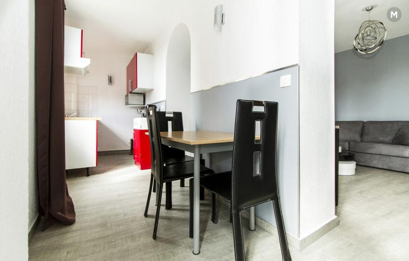 Residence - 10 min walk to the Palais des Festivals and congress - 14