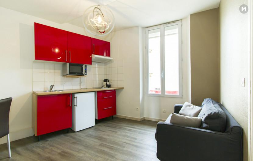 Residence - 10 min walk to the Palais des Festivals and congress - 1