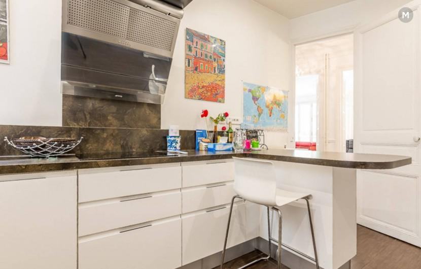 Apartment 100 m² 2 bedrooms - Paris-15E-Arrondissement - 3