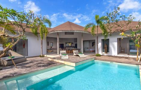 Villa / Detached house 296m² 3 bedrooms - North Kuta