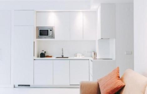 Deluxe One-Bedroom Apartment and Private Garden - 3