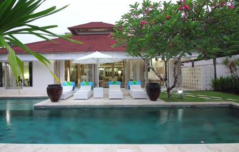 Villa / Detached house 300m² 4 bedrooms - Kuta