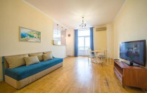 One-Bedroom Apartment  with balcony and city view - Khreschatyk, 25 - 1