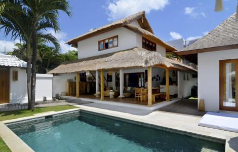 Villa / Detached house 425m² 3 bedrooms - Kuta